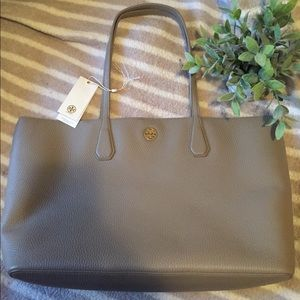 👜Tory Burch Perry Tote in French Gray